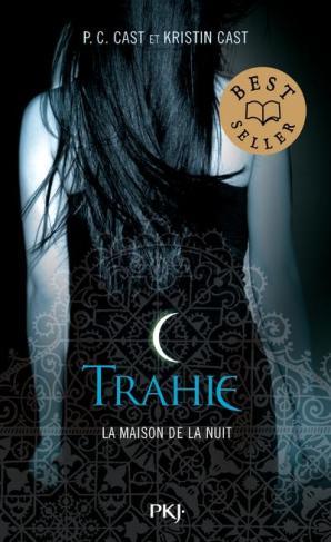 la-maison-de-la-nuit-tome-2-trahie-3494463